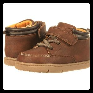 Carters Every Step Nikson brown boots NWOT